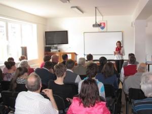 Vyhodnotenie súťaže sledovala zaplnená spoločenská miestnosť knižnice